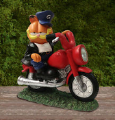 Garfield The Cat on Motorcycle LED Solar Lighted Statue