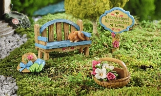 Giftcraft Mini Mom Kit, Bench with Kitty