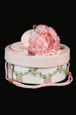 Rose and Vine Hat Box