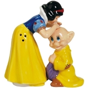 Snow White Kissing Doper Magnetic Salt and Pepper Shakers